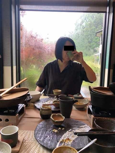 お茶をグビリ.jpg