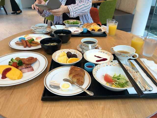 アメリカンブレックファースト10卵料理他がキタ2.jpg