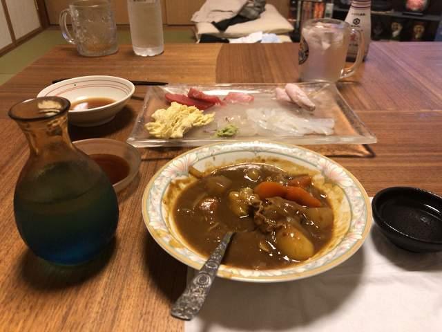 カレーに日本酒.jpg