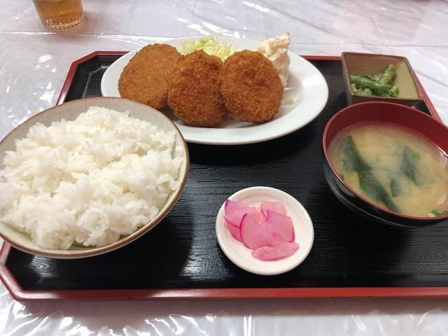 コロッケカニクリーム定食1.jpg