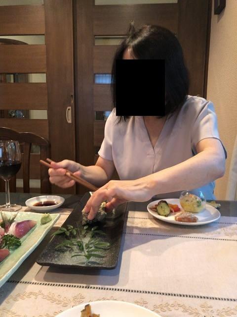 サザエパイ3肝を喰らうジャン妻.jpg