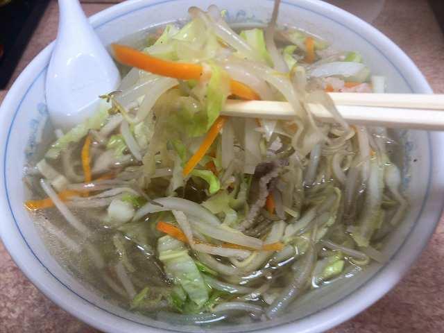 タン6野菜を摘まむ2.jpg