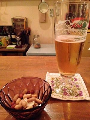 ナッツとビール.jpg