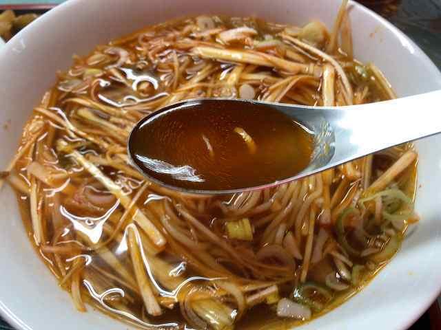 ネギ8金物レンゲとスープ.jpg