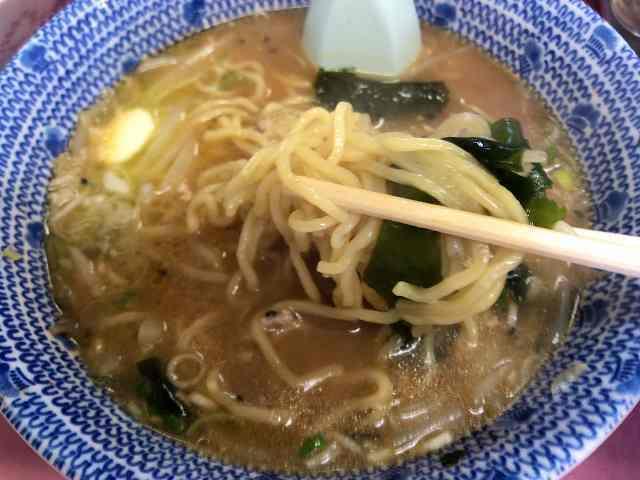 ラ11中盤戦2麺とワカメ.jpg