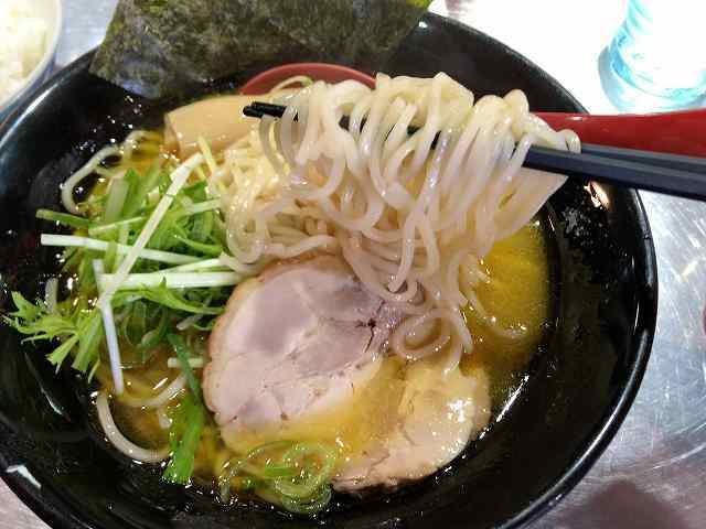 ラ5白い麺1.jpg