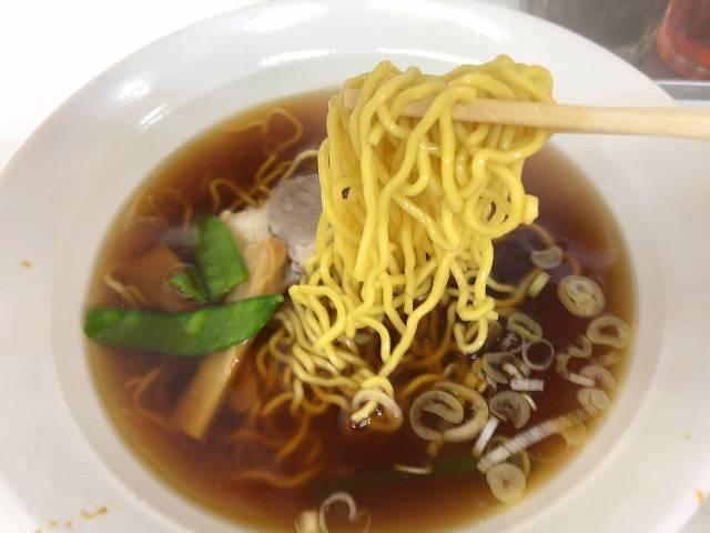 ラ6真っ黄色い麺2.jpg