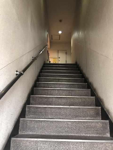 ルナ7階段.jpg