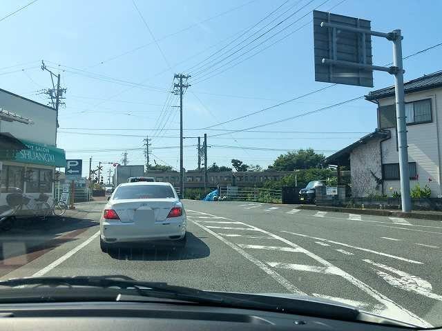 レンタカー5踏切-1.jpg