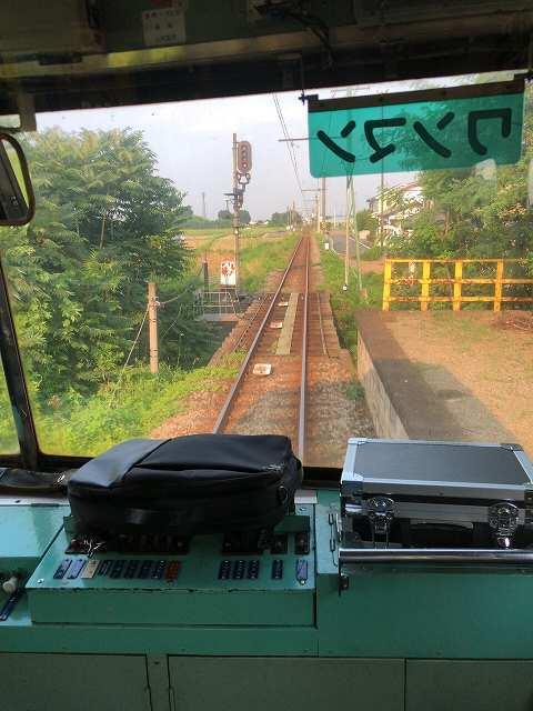 上信電鉄が三途川を渡る2.jpg