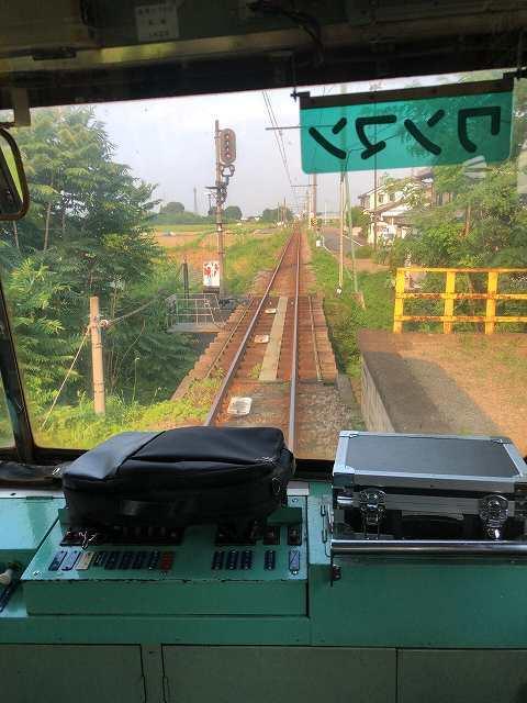 上信電鉄が三途川を渡る3.jpg