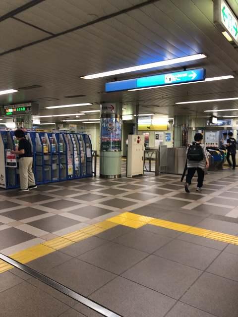 上大岡駅改札.jpg