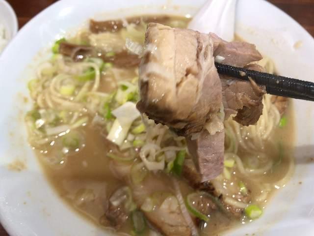 中華蕎麦17豚バラチャーシュー4ほぐれた1.jpg