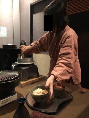 亭主のご飯をよそうジャン妻8.jpg