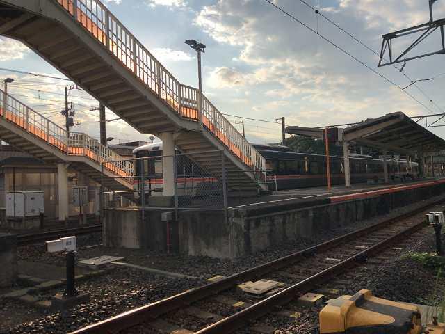 入山瀬駅2甲府方面2.jpg