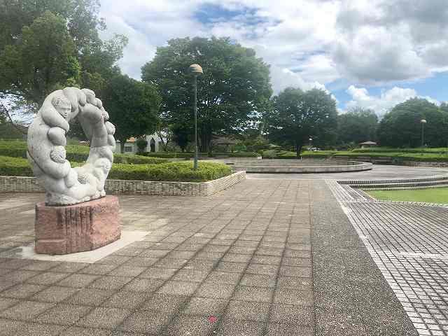 公園1有名なオブジェ.jpg