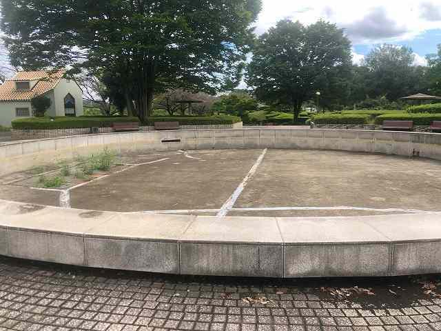 公園2水が無い1.jpg
