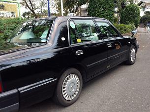 公園のタクシー2.jpg