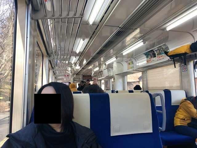 単行列車内.jpg
