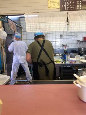 厨房14カラシもってきてっ.jpg