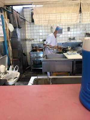 厨房9オヤジがチャーハン担当とは3-1.jpg