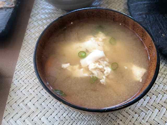 味噌汁3豆腐を入れてみた.jpg