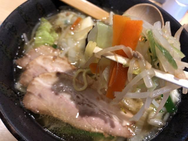 塩野菜5野菜摘まむ2.jpg