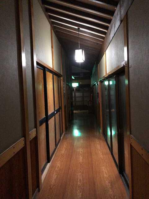 夜の宿1.jpg
