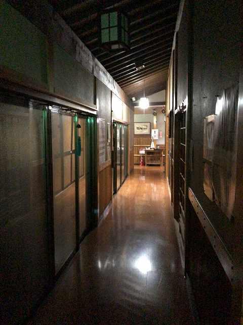 夜の宿3.jpg