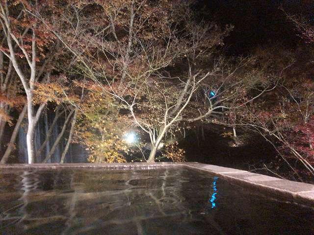 夜の渓流3.jpg