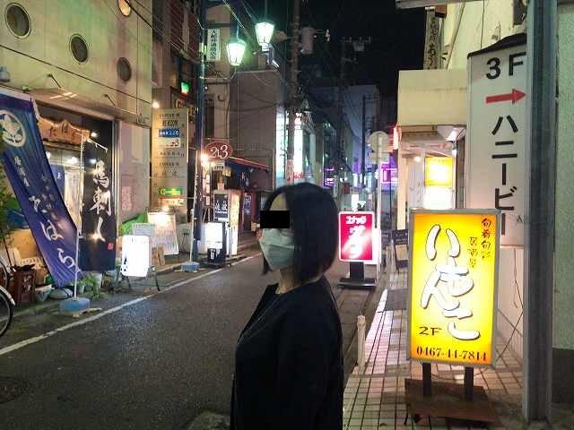夜の路地1.jpg