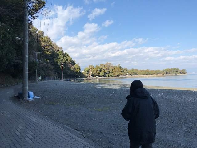 大瀬崎2-2歩くジャン妻2.jpg
