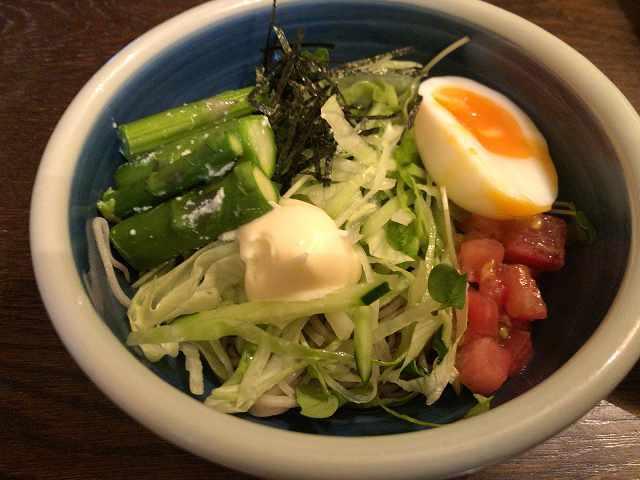 宴24蕎麦サラ5アスパラを移す2.jpg