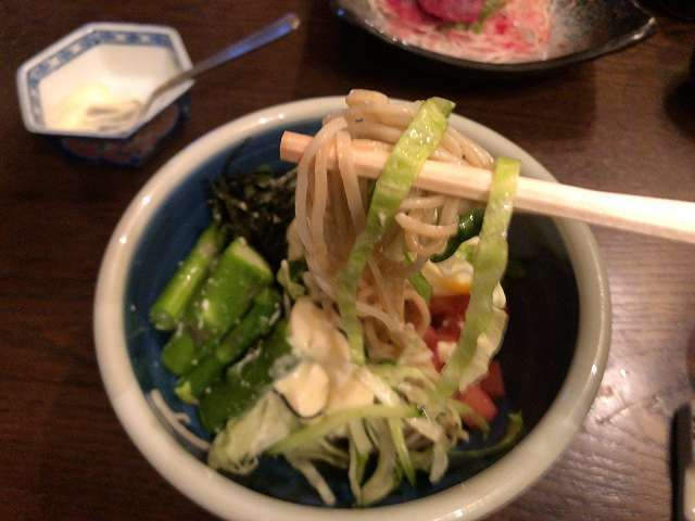宴32蕎麦サラ13マヨ混ぜ蕎麦になる.jpg