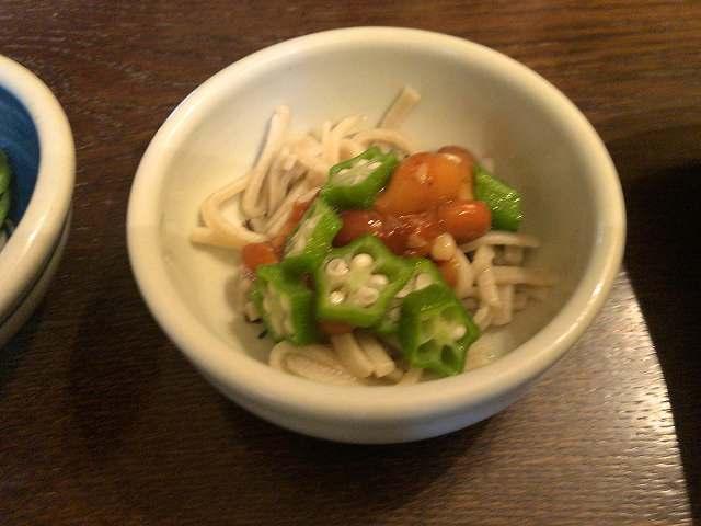 宴9小鉢4オクラナメコ蕎麦.jpg