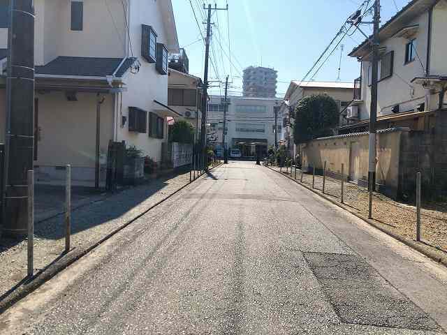 寺5参道を歩いて大通りへ.jpg