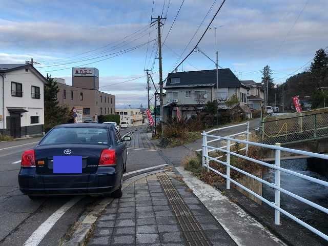 寺の前の公道路駐.jpg