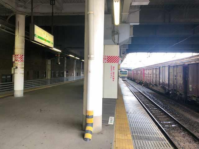 小山駅1暗いな.jpg