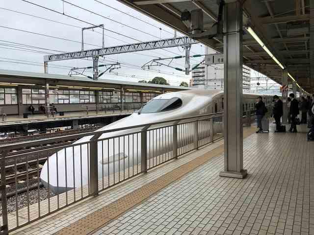 小田原駅でこだまに乗車.jpg