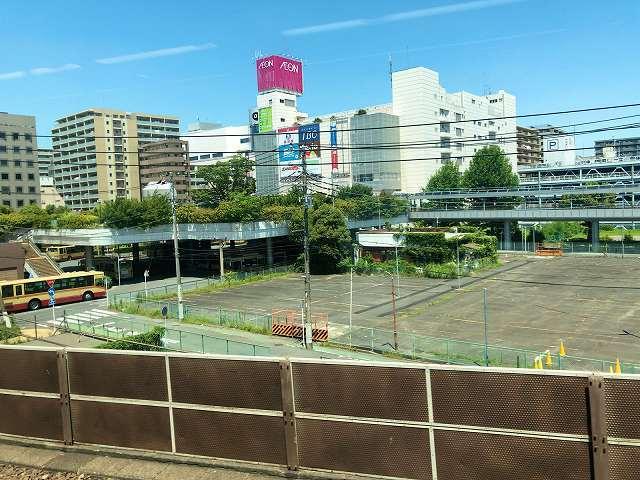 小田急線車窓から相楽が見える2.jpg