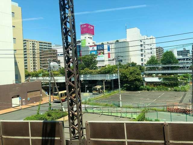 小田急線車窓から相楽が見える3.jpg