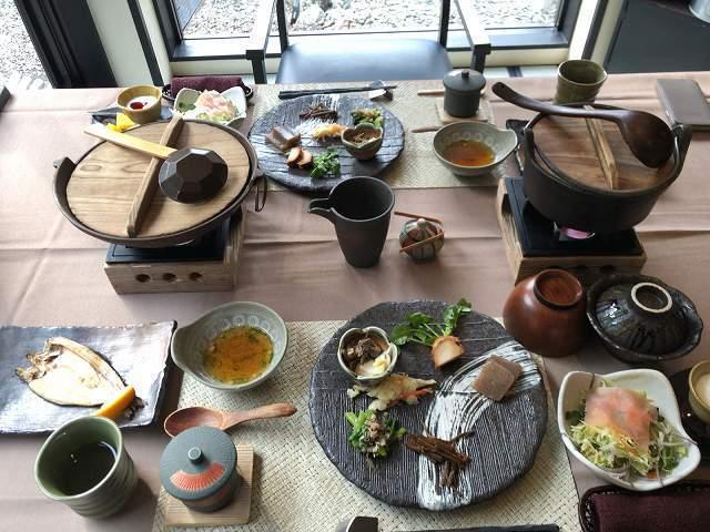 山の朝ご飯.jpg