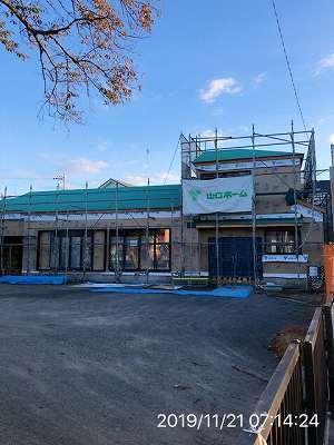 工事20~11月21日~灯りが点いているぞ2~正面扉も設置された.jpg
