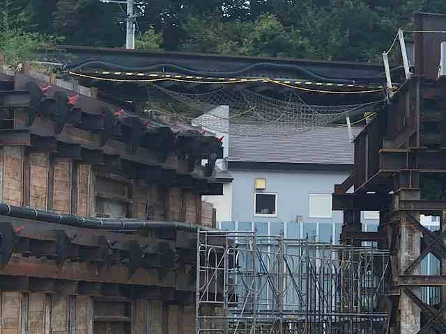 工事現場13細いビーム橋1.jpg