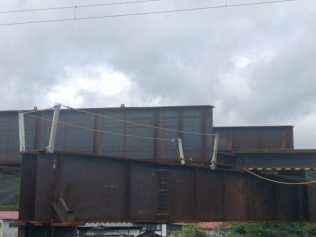 工事現場25国道側から5中央ガーダー橋3支える部分1.jpg