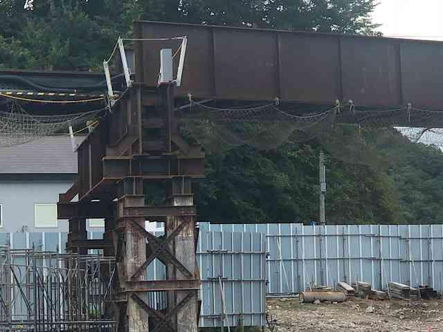 工事現場9ガーダー橋脚2.jpg