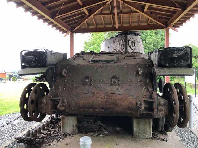 帰還戦車19背後から.jpg