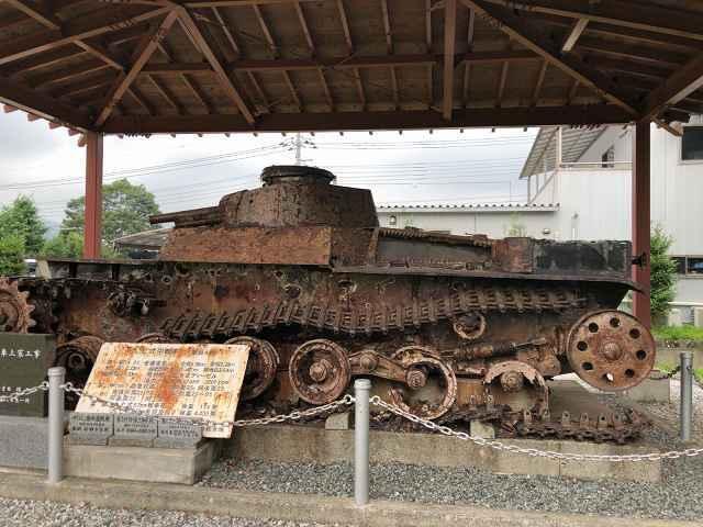 帰還戦車4横から.jpg