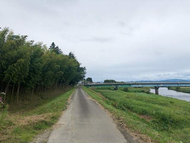 振り返ると日橋川にそって堀があるのか.jpg