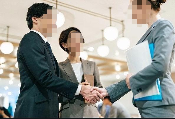 握手2-1.jpg